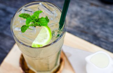 Чаша топла вода – път към перфектното здраве